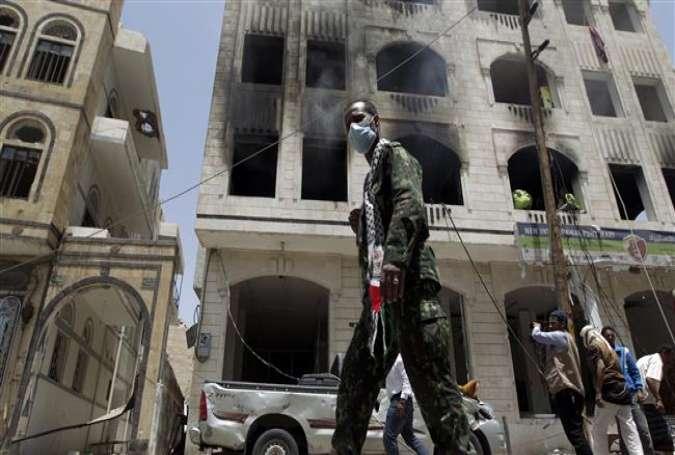 ARN00120040015157_Saudi_Serang_Kamp_Militer