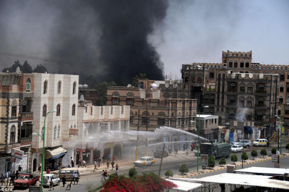 ARN0012004001511226_Saudi_Bombardir_Kedutaan_Iran