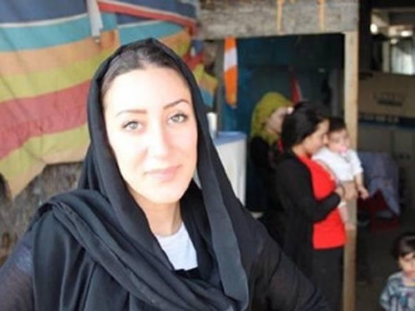 001-wanita-cantik-ini-demi-bantu-Pengungsi-Yazidi