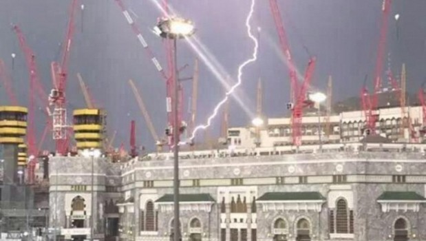 Crane_Jatuh_Di_Masjidil_Haram_003