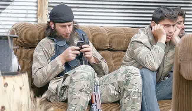 ISIS_Larang_Penggunaan_Handphone