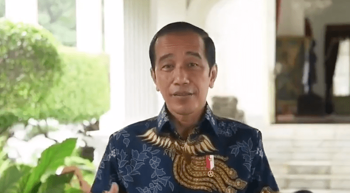 "Dengan Senyum Jokowi Angkat Suara Soal Kritikan BEM UI ""King Of Lip Service"""